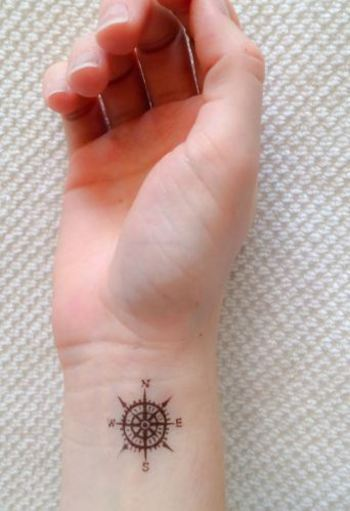 36 Tiny Tattoos That Make The Perfect Accessory