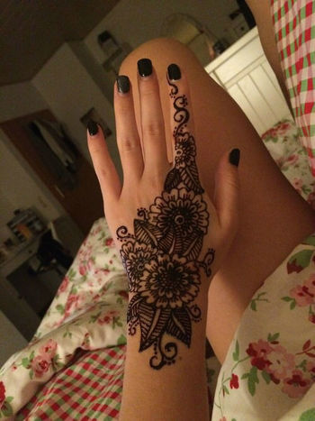 All You Need To Know About Henna Tattoo Kits | InkDoneRight