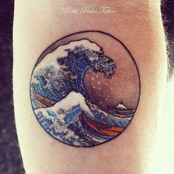 15 Powerful Hokusai Wave Tattoos | Tattoodo