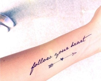 34 Small Tattoos for Women