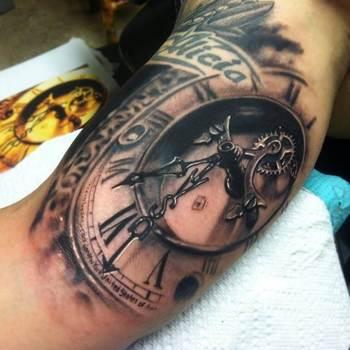 Watch in 3D Optik tattoo #Tattoo, #Tattooed, #Tattoos