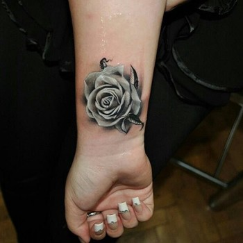 52 Best Black and White Tattoos for all Skin Types - Piercings Models