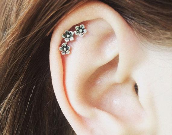 Gorgeous pure sterling silver cartilage earring cartilage stud flowers 20 gauge original