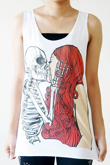 Hey, I found this really awesome Etsy listing at http://www.etsy.com/listing/155093038/sml-skull-kiss