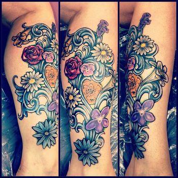 Gallery For > Alice In Wonderland Flowers Tattoo