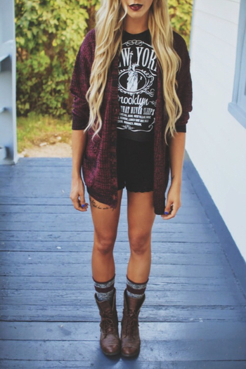 Summer/transition to fall outfit, cute! 90's is comin back!⭐️✨repinned by @ willswife102712