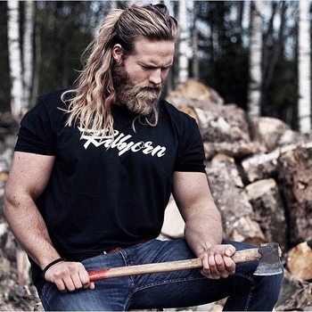 Long Haired Guys - bearditorium:   Lasse