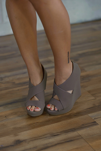 Madison Wedge (Taupe)