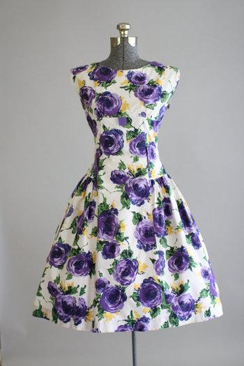 Vintage 1950s Dress / 50s Cotton Dress / Purple Rose Print Dress w/ Drop Waist L
