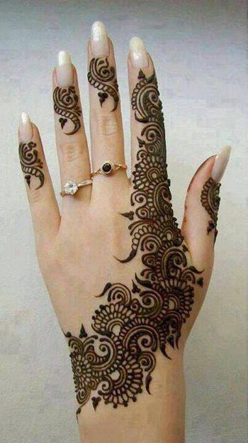 henna www.amouraffairs.in Amour Affairs | Indian Bride | Indian Wedding | South Asian | Bridal wear |