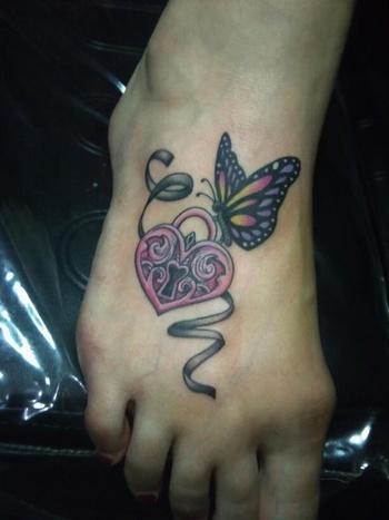 15 Foot Tattoo Designs for Women - Pretty Designs