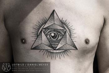 Triangle Eye by Daniel Meyer via LEITBILDwww.dasleitbild.comwww.facebook.com/dasleitbildwww.instagram
