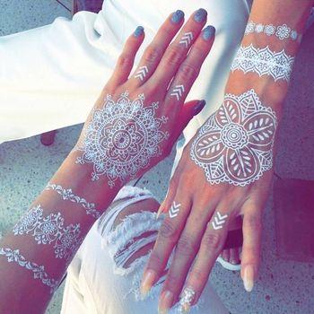 30 Stunning White Henna-Inspired Tattoos That Look Like Elegant Lace