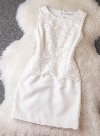 Hollow out embroidery sleeveless dress