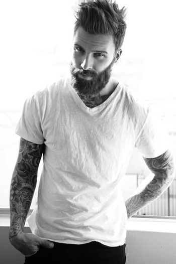 Le Fashion: 11 STYLISH HOT GUYS WITH BEARDS