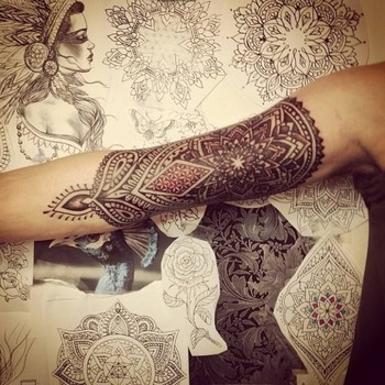 20 Mehndi Inspired Tattoos | Tattoodo.com
