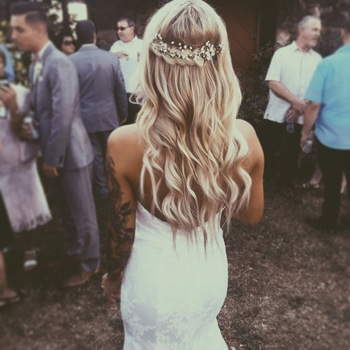 Wedding hair // ♡pinterest: rileyxwood♡