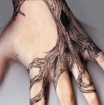 45+ Eye-Catching Tattoos on Hand | Art and Design