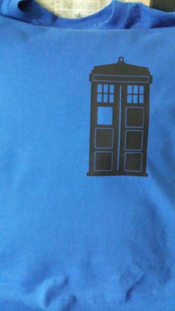Dr. Who Tardis stand alone tshirt