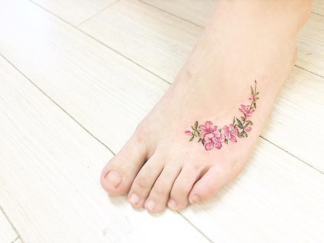 16 diferentes y preciosos tipos de pequenos tatuajes de flores original