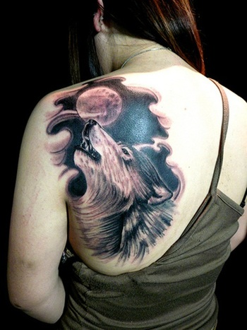 wolf howling at the moon, loooooove this one! I'd like to get something similar.