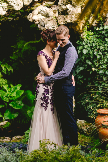 Beautiful & Relaxed Surprise Wedding with a Purple Dress –...