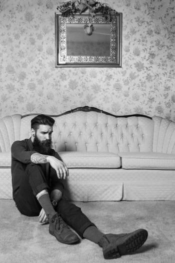 full thick dark beard and mustache beards bearded man men mens' style dapper vintage retro classic lo