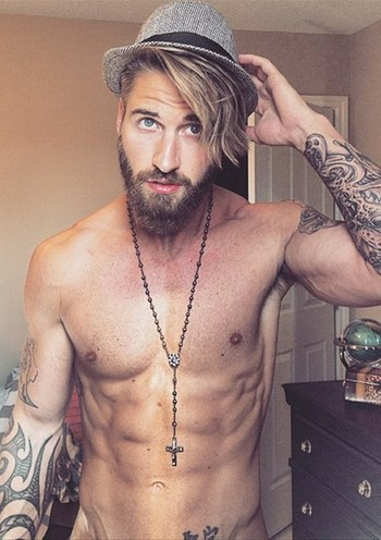Tattooed Hottie Travis DesLaurier Heating Up Instagram