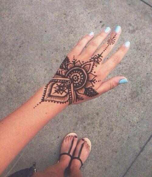 40 delicate henna tattoo designs e34d0ddd c23c 4c8c 898a 633f878e15ac original
