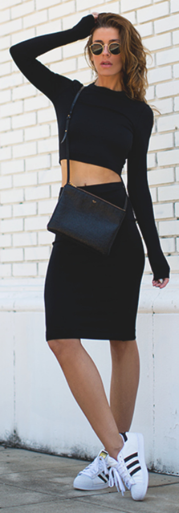 Both easy on the eye and practical. You can't really go wrong with a black co-ord outfit. Via Jennife