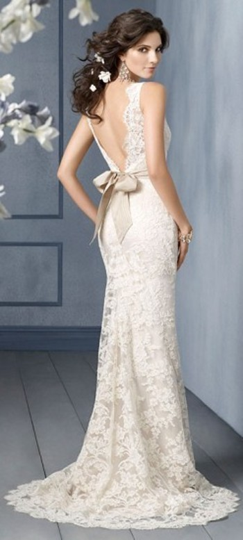 I might wear this in another life...in a steel gray color, at a ball in Monaco :) still, it is a love