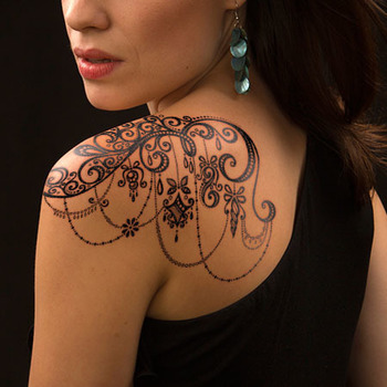 15 Lace Tattoos For The Woman In You