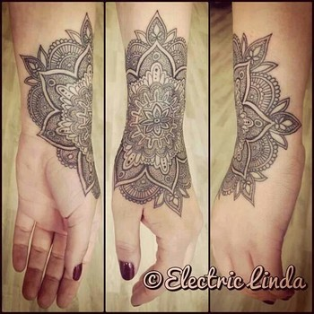 Lace wrist tattoo I wouldn't get this, but it's cool! Haha