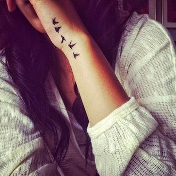 30 Creative Hand Tattoo Designs in Vogue