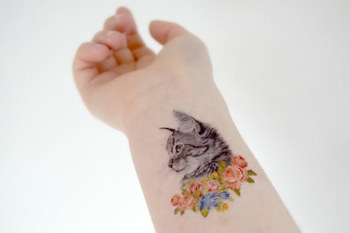 26 Temporary Tattoos Perfect For Every Commitment-Phobe