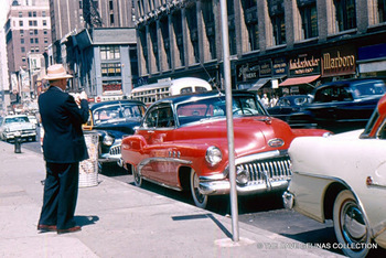 1950s American Automobile Culture – 50 Color Photos of Classic Buicks on the Street in the 1950s
