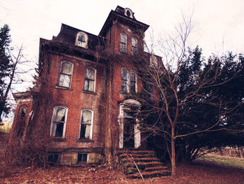 The Lineup   8 Real Haunted Houses You Can Actually Visit