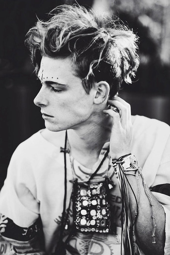Joshua Maxwell de Hoog / Male Models, Men's hair, Tattoo Guy