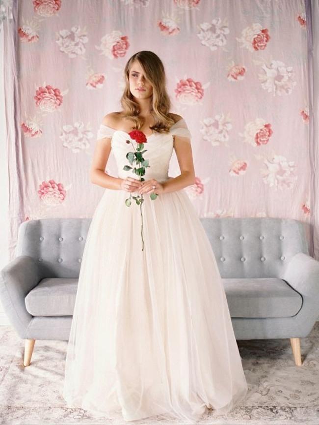 21 ultra romantic tulle wedding dresses modwedding 7a56d741 2eb7 4025 a244 9dfabd9a4c95 original