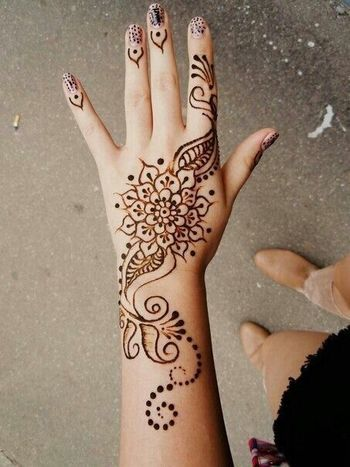 Lovely Floral Henna